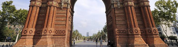 10 raisons de vivre à barcelone rues pietonnes  inov expat