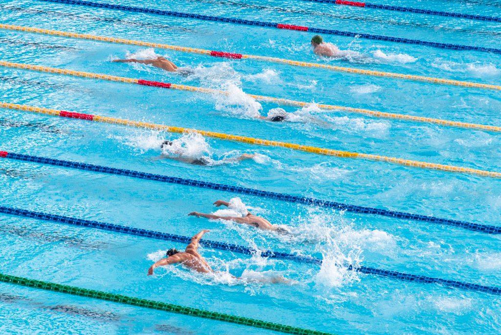 photo de piscine intérieure